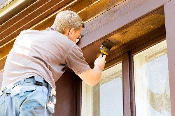Fensterpflege und Wartung von Holzfenstern